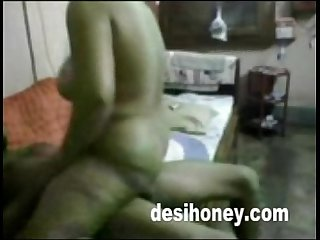 bengali moti aunty doing sex with young boy www.desihoney.com